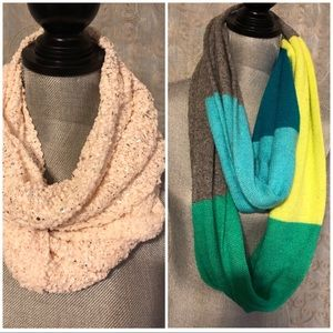 Lot of 2 infinity scarves